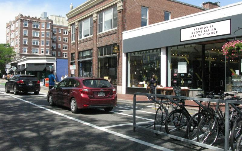 The New Parking Areas for Cars and Bikes in the Middle of Brattle Street